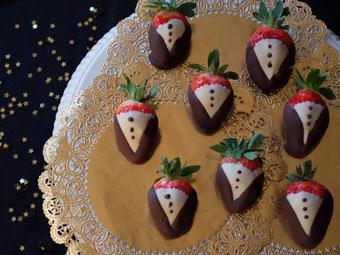 Recipe_Tuxedo-Strawberries