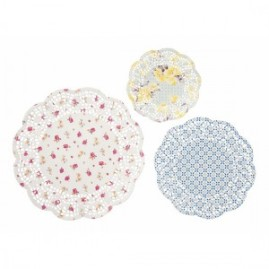 truly-scrumptious-doilies-assorted-sizes-pack-of-24-300x300