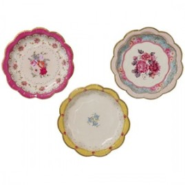 truly-scrumptious-small-paper-plate-7-inches-17cm-pack-of-12-300x300