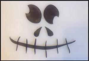 The finished fondant pumpkin cake face