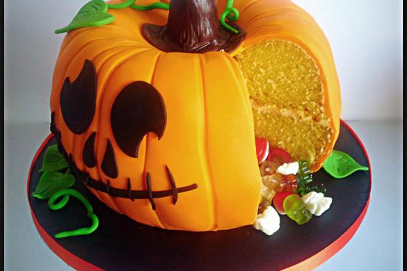 Halloween Pumpkin Pinata Cake