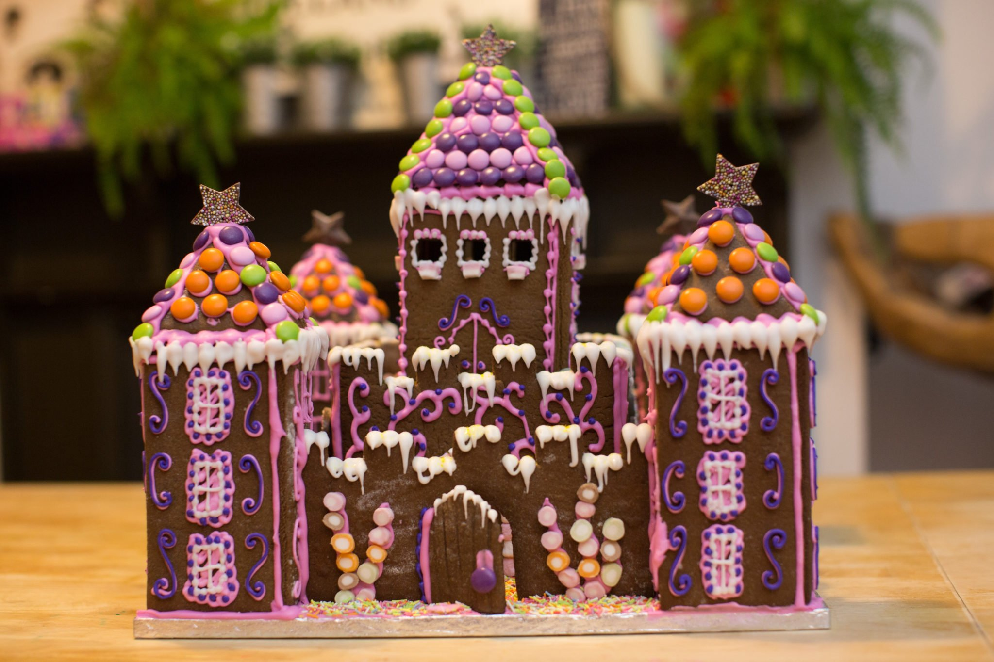 How to make a princess gingerbread castle partyrama blog princess gingerbread castle solutioingenieria Images