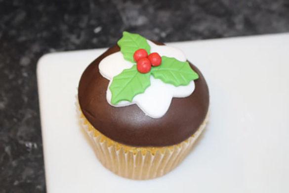 Finished Christmas Pudding Cupcake