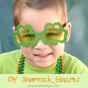 St Patricks Day Crafts - DIY Shamrock Glasses